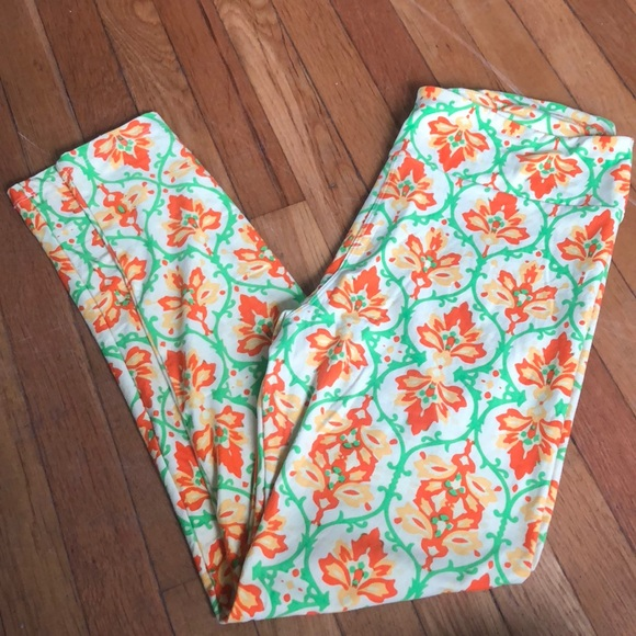 LuLaRoe Pants - LuLaRoe symmetrical country pattern TC NWOT